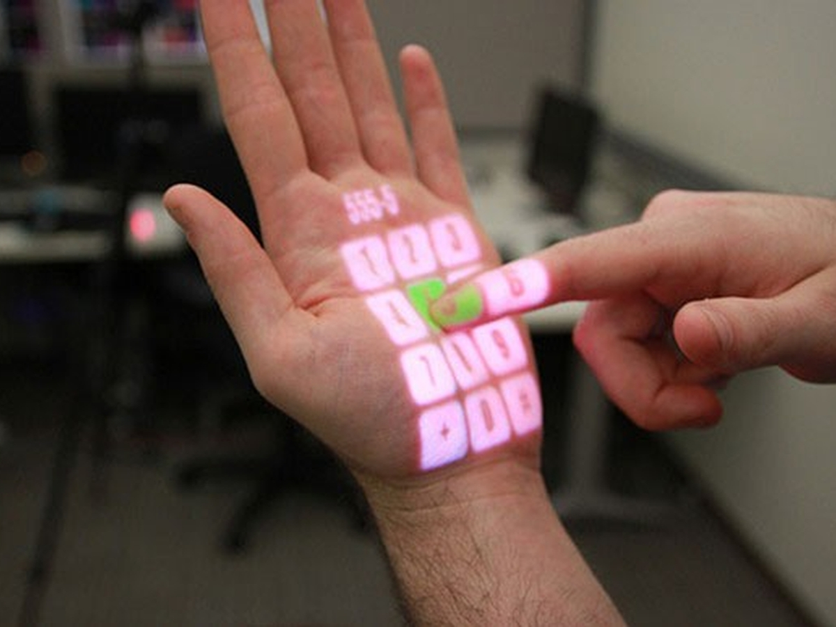 Inside Microsoft Research: holodecks, a juggling robot and
