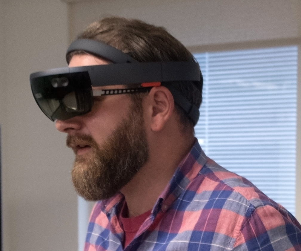 Microsoft is building a better HoloLens