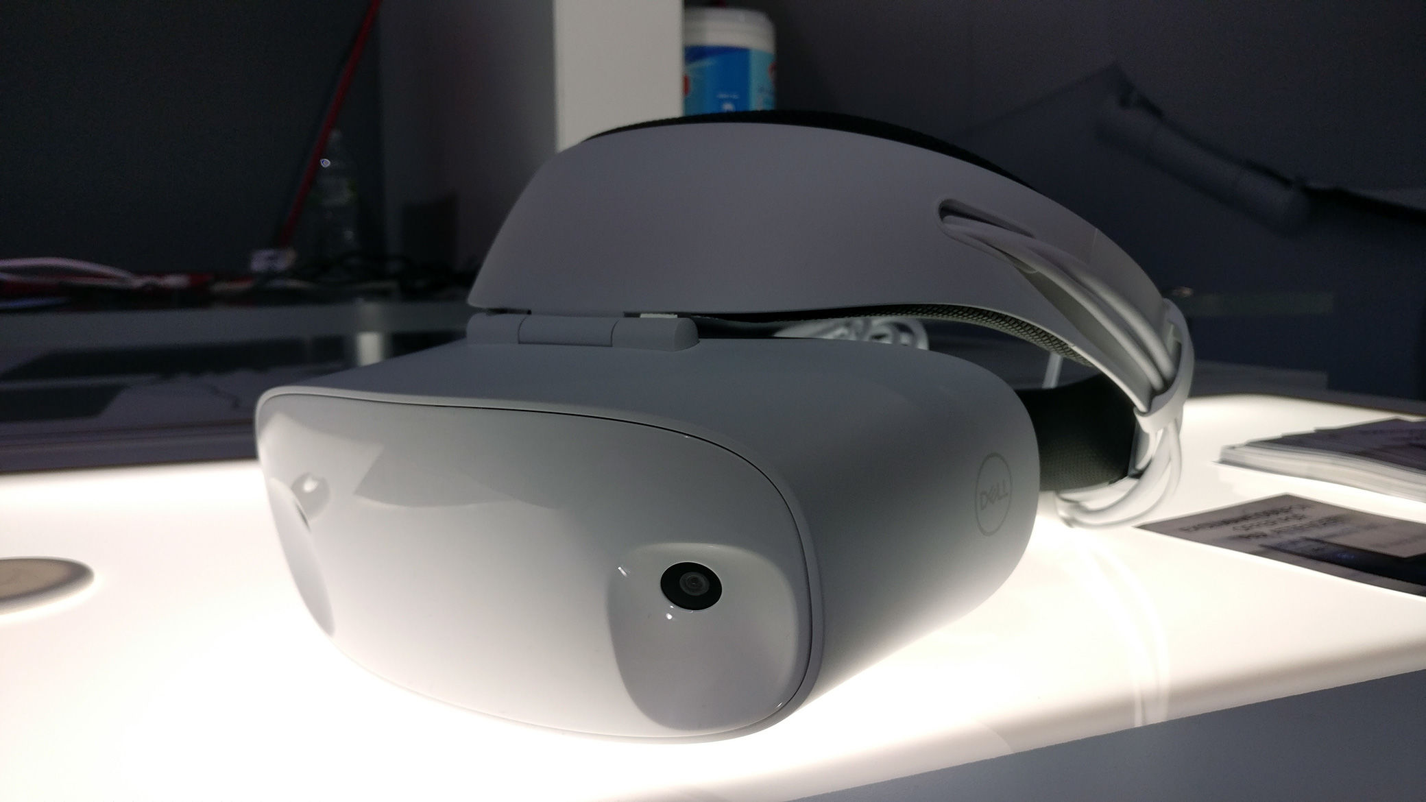 5eb5c094a458 Dell s Visor is a gorgeous VR headset