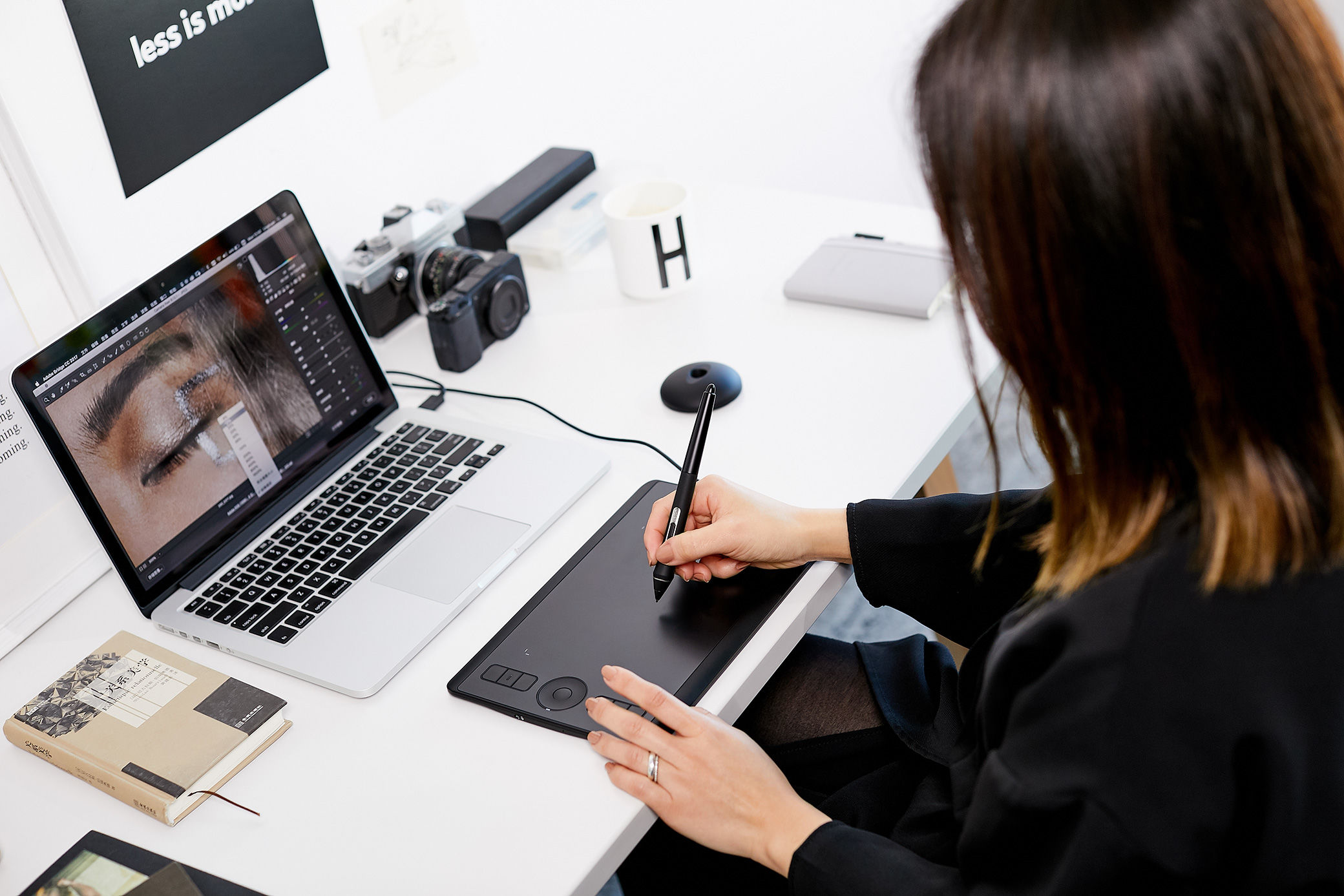 There's now a small Wacom Intuos Pro again for designers and