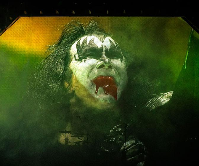 How cutting-edge software is keeping rock band KISS's on-stage visuals fresh and fiery