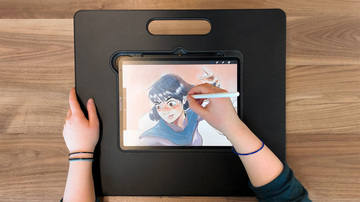 This iPad stand saves artists from the aches of drawing