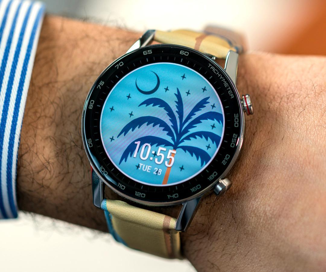 Illustrator George Greaves on using a smartwatch as the canvas for his bold style