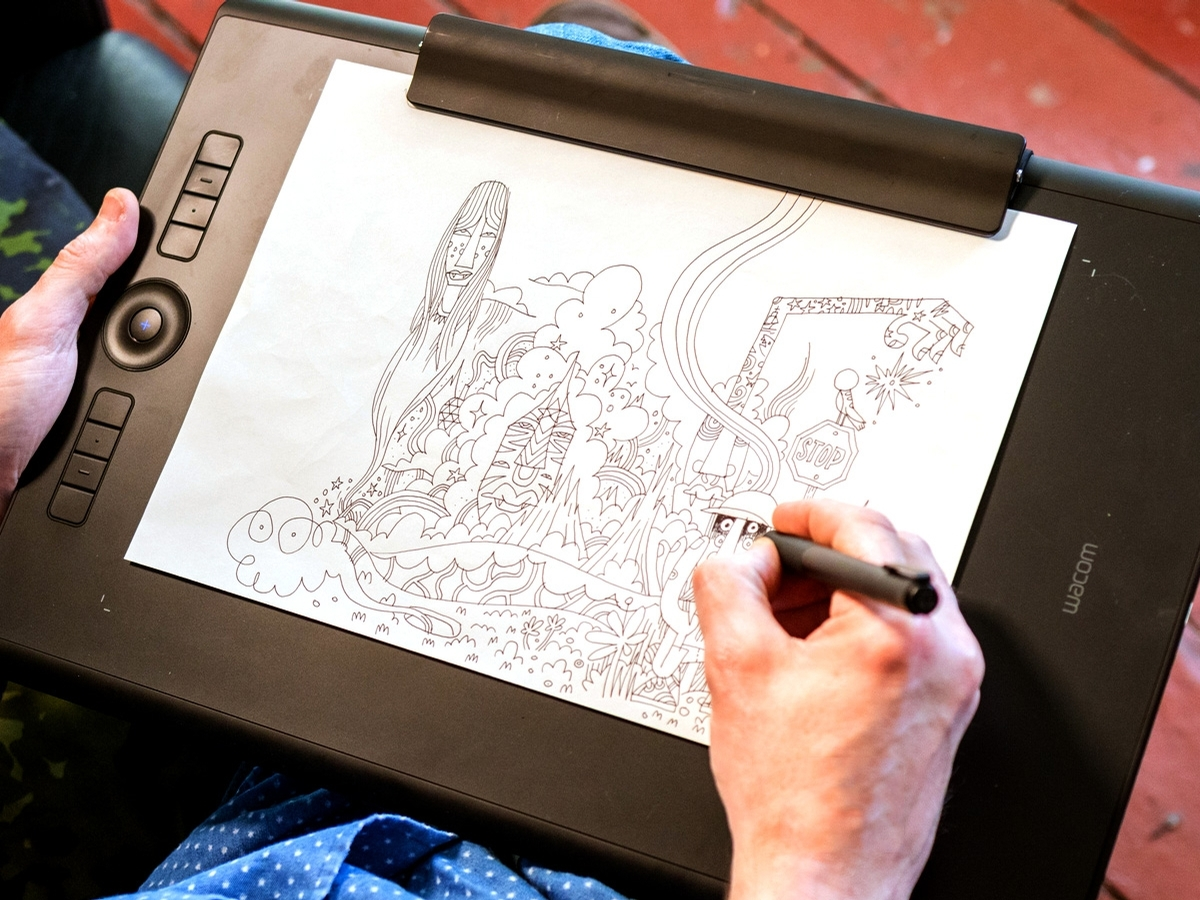 Draw On Paper And Screen At The Same Time With The New Wacom Intuos Pro Paper Edition Digital Arts
