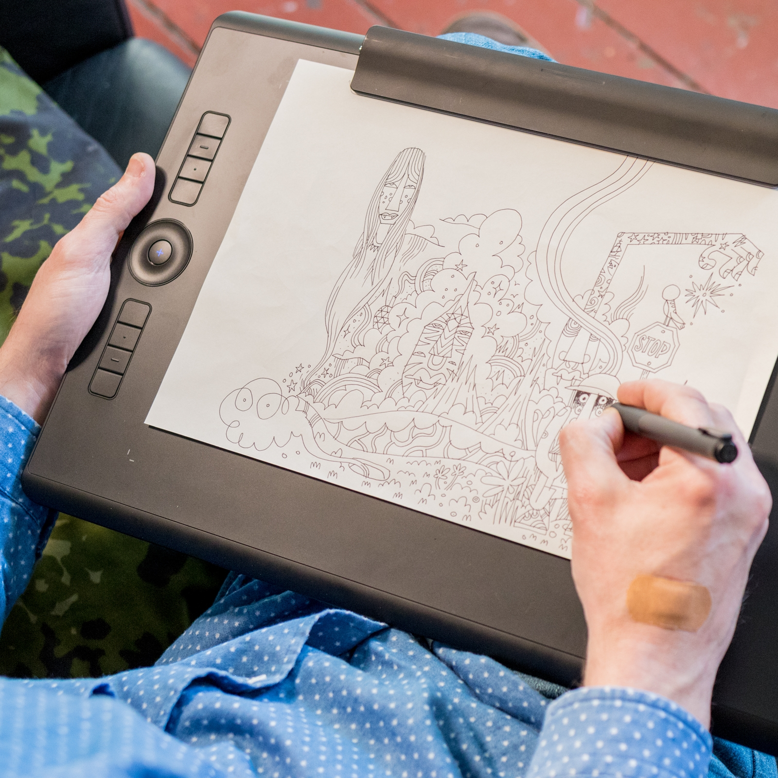 Draw on paper and screen at the same time, with the new